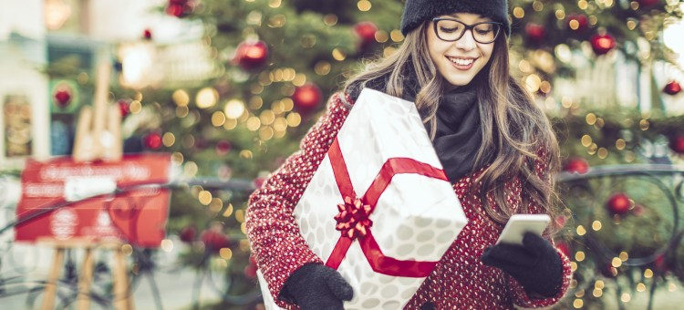 Early Signs Point to Robust Holiday Shopping